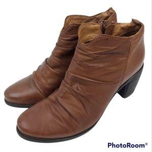 Miz Mooz Brown Leather Ruched Zip Distressed Ankle Booties sz 39